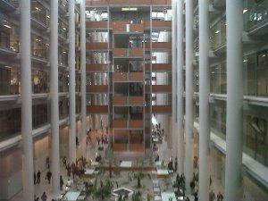Vista general del interior de la Ciudad de la Justicia de Valencia